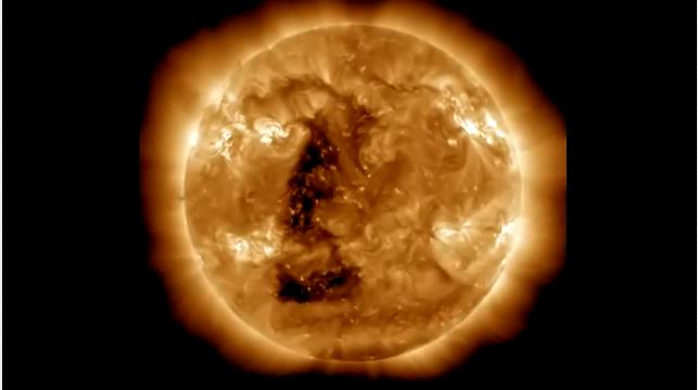 Post image for Is the New Triangle-Shaped Hole in the Sun a Stargate?
